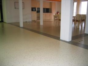 Linoleum in Korridor und Cafeteria Pflegeheim